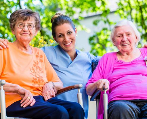 opieka nad seniorami